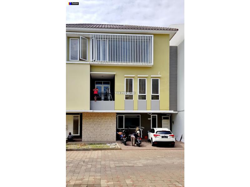 Rumah Baru Hook dijual di Gading Lavender Kelapa Gading Jakarta Utara